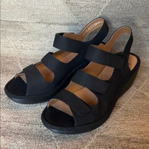 Clarks Collection black sandals, size 9